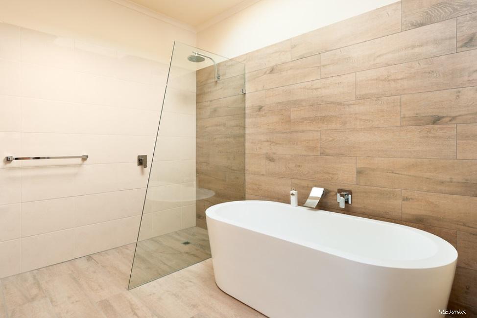 Minimalist essentials of bathroom design